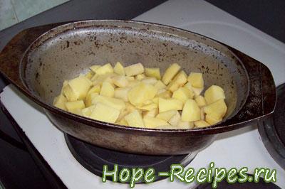 Обжариваем картофель на овощное рагу