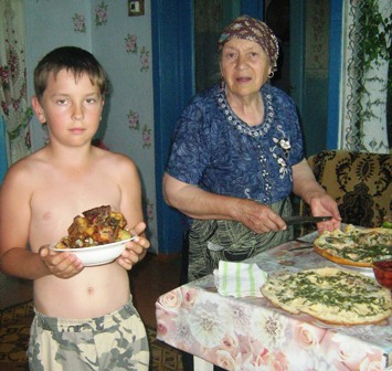 Паша и бабушка Рая