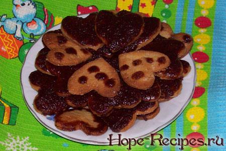 Пряное печенье с шоколадной глазурью