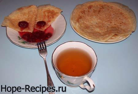 Традиционные русские блины на молоке