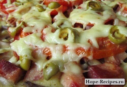 Праздничная пицца по день рожденчески
