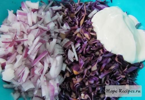 Готовим салат из краснокочанной капусты