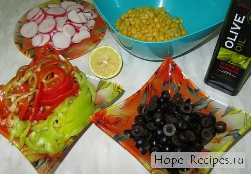 Яркий салат к новогоднему столу