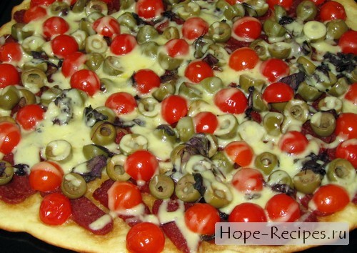 Вкусная и ароматная итальянская пицца