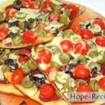 Пицца с тонким тестом и начинкой из пепперони