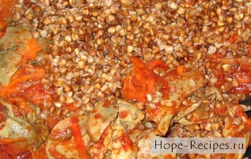Готовое блюдо - гречка с печенью