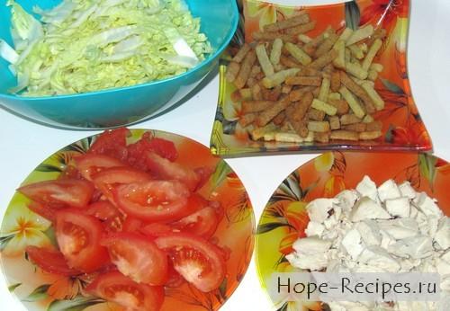 Готовим салат Цезарь по рецепту с курицей