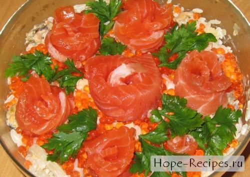 Сытный вкусный и красивый салат для праздничного стола