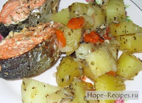 Красная рыбка с прованскими травами и овощами
