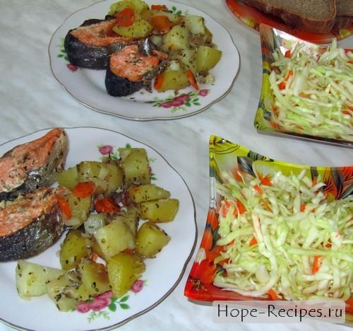 Сервируем рыбу с овощами по тарелкам