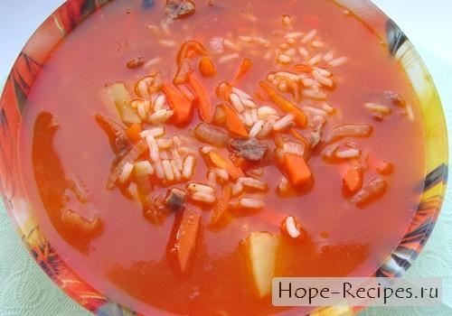 Острый суп с рисом и говядиной