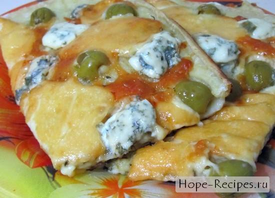 Итальянская пицца 4 сыра