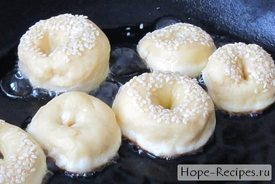 Пончики на сгущенном молоке рецепт пошаговый с