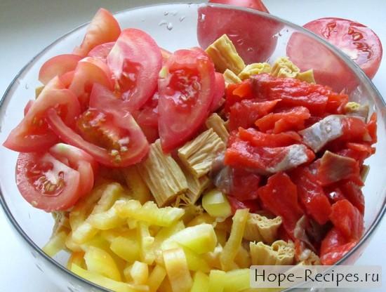Процесс приготовления салата из спаржи