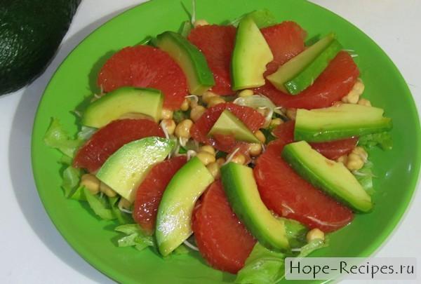 Фруктовый салат с нутом