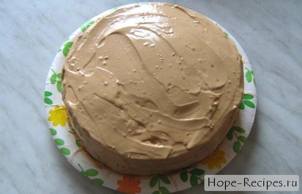 Бисквитный торт с кремом из вареной сгущенки