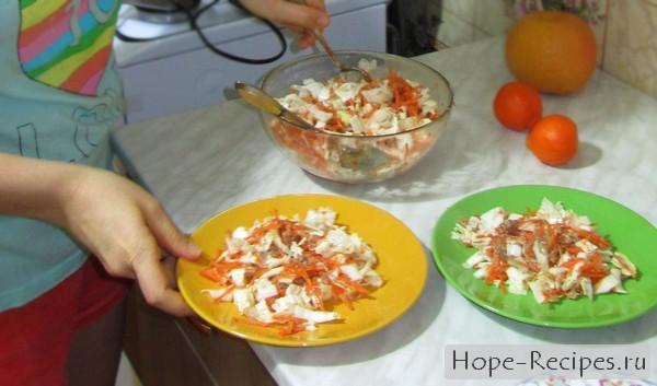 Салат из пекинской капусты и тунца