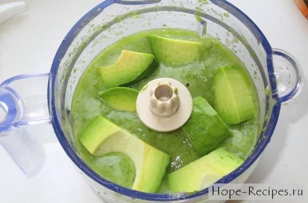 Рецепт смузи с бананом и авокадо