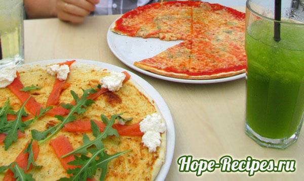 Итальянская пицца с моцареллой