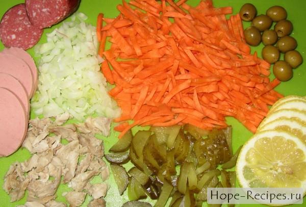Рецепт: как приготовить мясную солянку