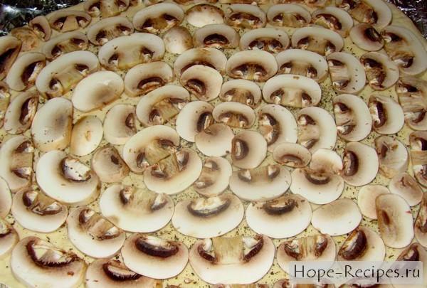 Как испечь пиццу с грибами