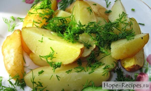 Запеченный картофель молодой