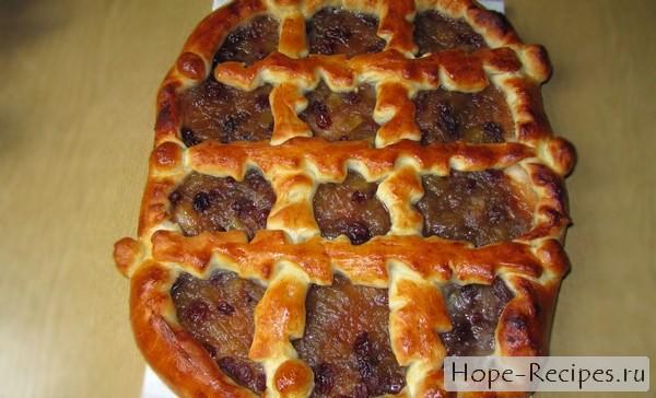 Пирог с ревенем на дрожжевом тесте
