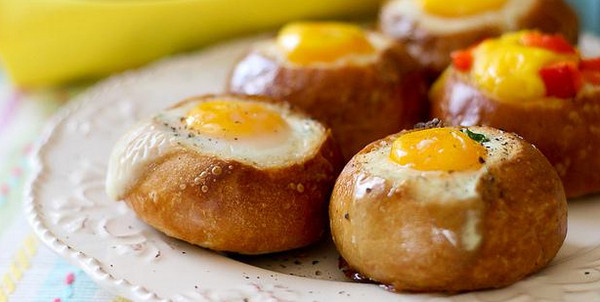 Идея для завтрака в булочках