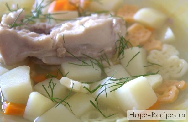 Детский куриный суп с макаронами