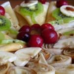 Сладкие блинчики с фруктами