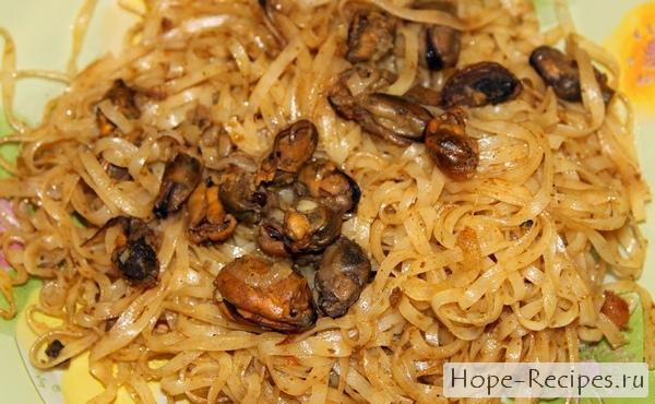 рисовая лапша с мидиями по тайски рецепт
