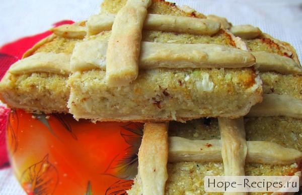 Готовый пирог с цветной капустой и минтаем