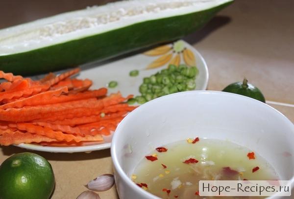 Как приготовить тайский острый салат из папайи