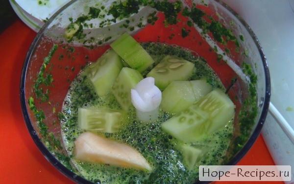 Как приготовить коктейль из зелени в блендере