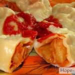 Вкусные постные вареники с домашним кетчупом