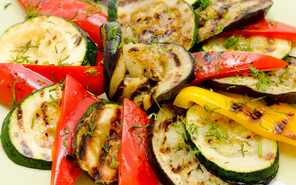 Овощи жареные на барбекю строительство печей каминов барбекю по системе и.в кузнецова фото