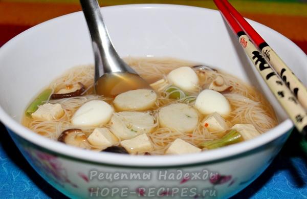 Суп из рисовой лапши очень популярен в Таиланде
