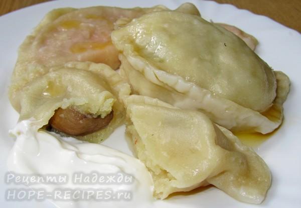 Рецепт вареников с грибами и картошкой