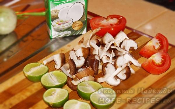 Как приготовить суп с грибами и курицей на кокосовом молоке