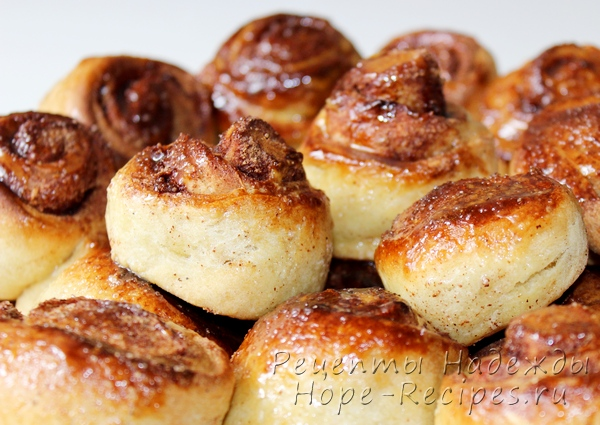 Аппетитные домашние медовые булочки с корицей на бездрожжевом тесте
