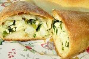 Вкусные пирожки с луком и яйцом