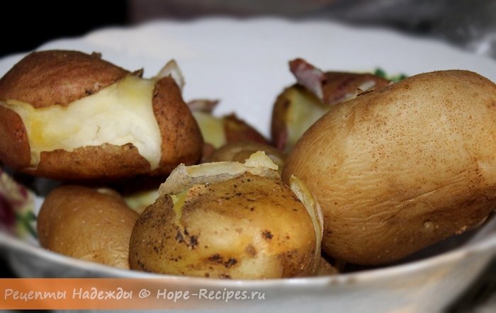 Картофель для салата сварить в мундире