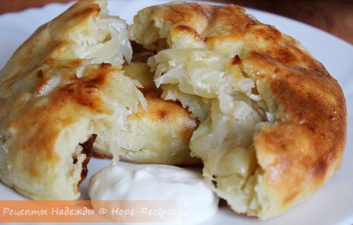 Вкусные шанежки из картофельного теста со сметаной