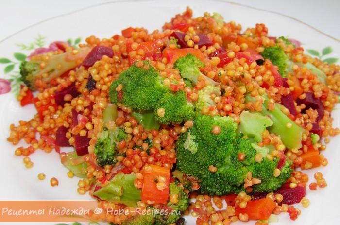 Рассыпчатая пшенка с овощами