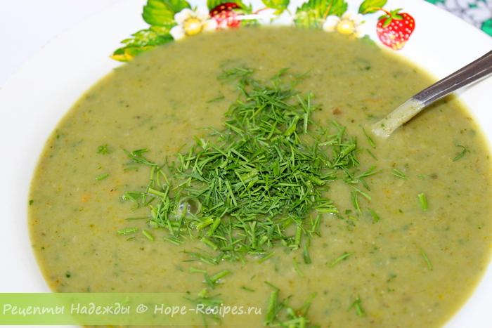 Рецепт нежного супа-пюре из зеленого горошка и шпината