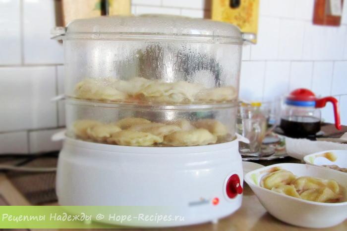 Как приготовить вареники с клубникой на пару