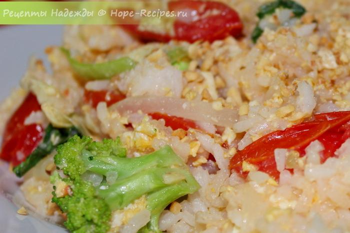 Рецепт жареного риса по-тайски (без мяса)